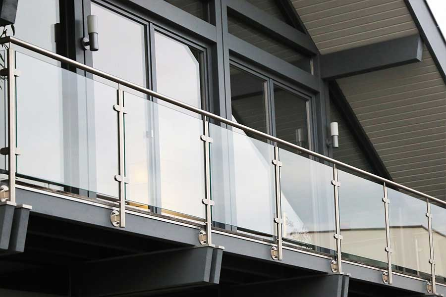 Large balcony with stainless steel and glass balustrade