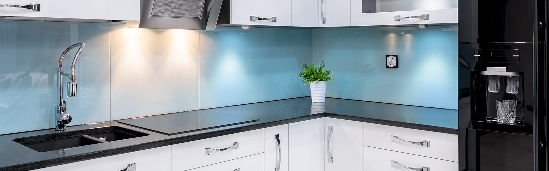 Glass splashbacks banner image