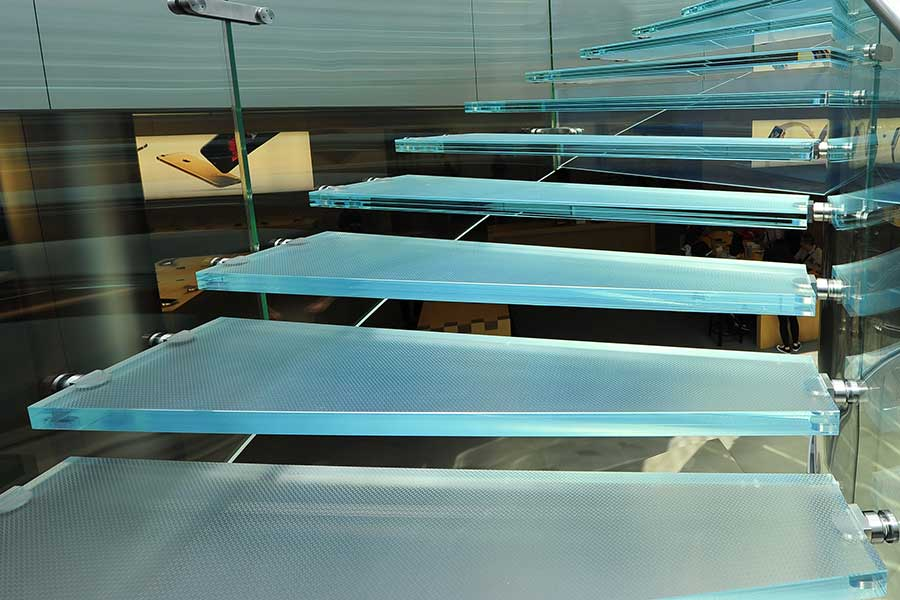 Laminated glass stair treads